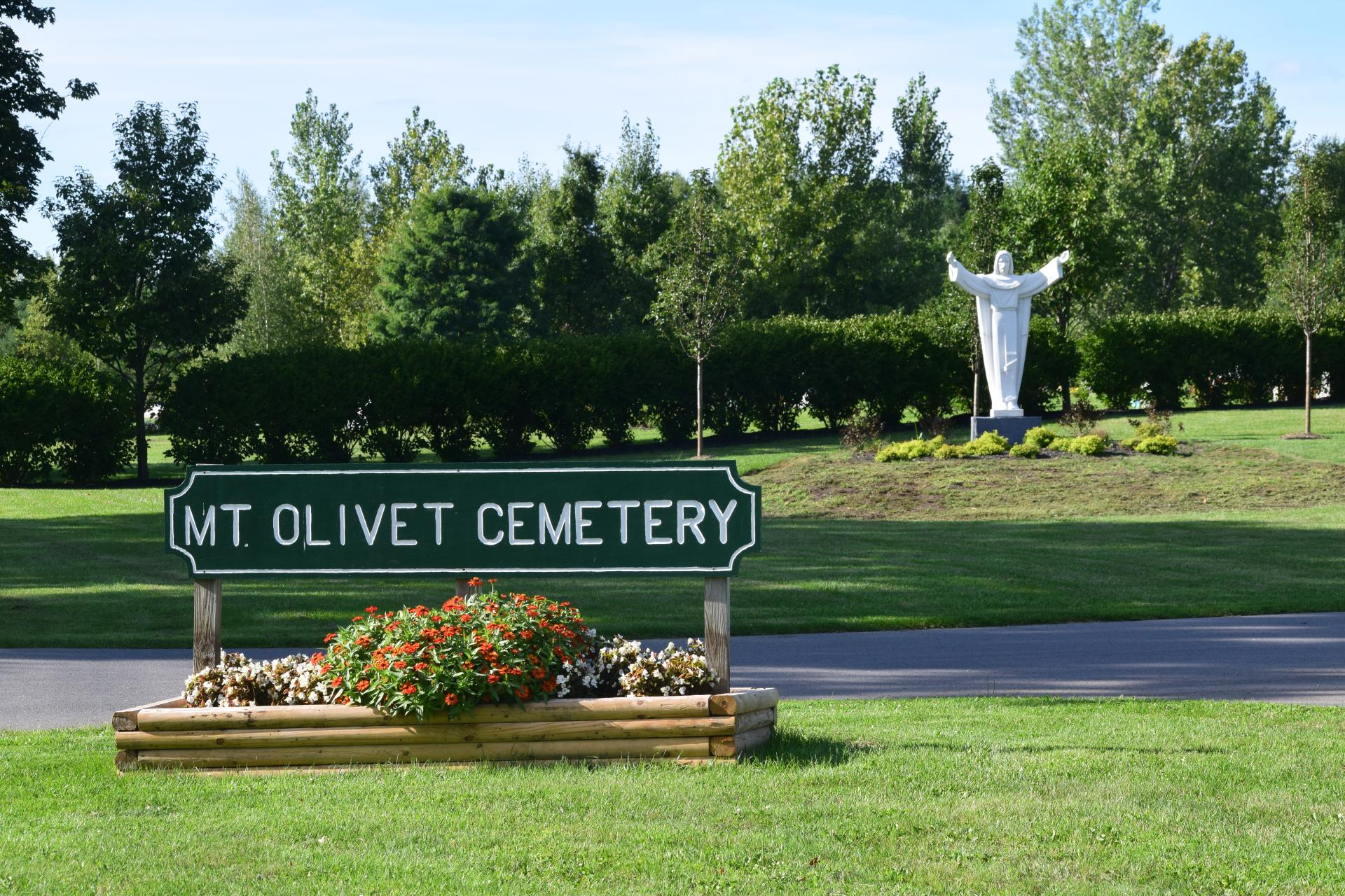 Entrance sign to Mount Olivet Cemetery